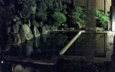 山里の湯は三箇所お風呂があり、これは一番奥のお湯。他の二箇所は岩風呂です。