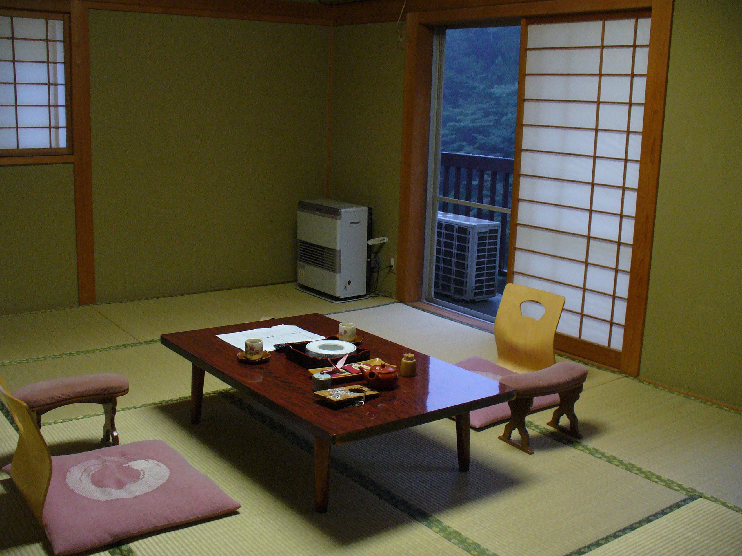 広くて清潔な和室