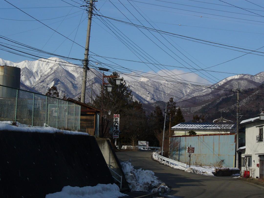 猿ヶ京温泉からのぞむ、雄大な山々。