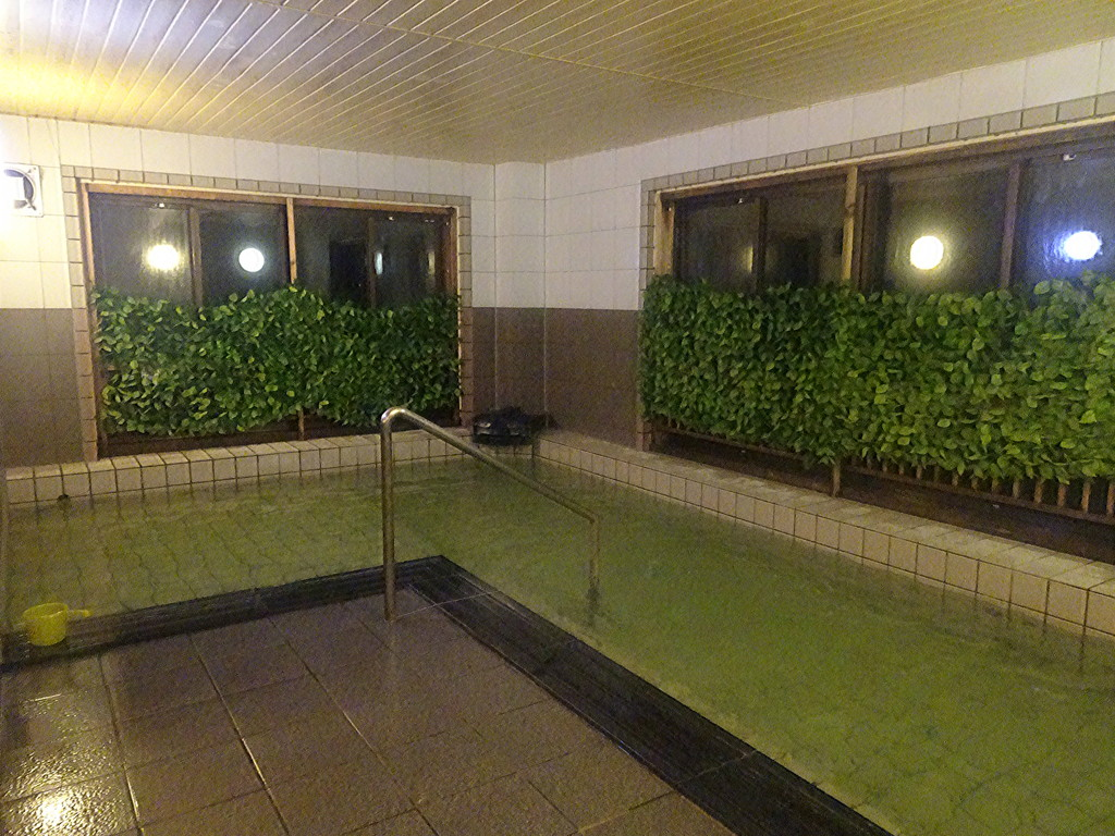 大浴場です♪(女湯と男湯は、左右で毎日入れ替わります。こちら本日の女湯)