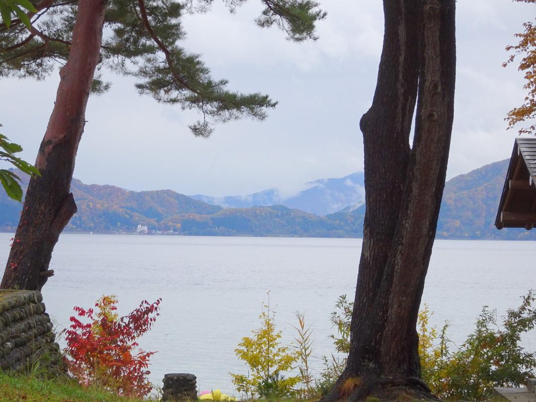 11月初めの田沢湖。